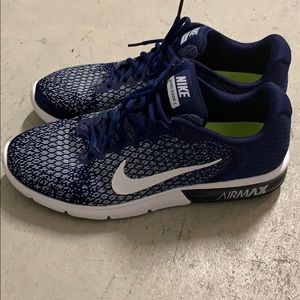 Nike air max sequent 2 blue and white